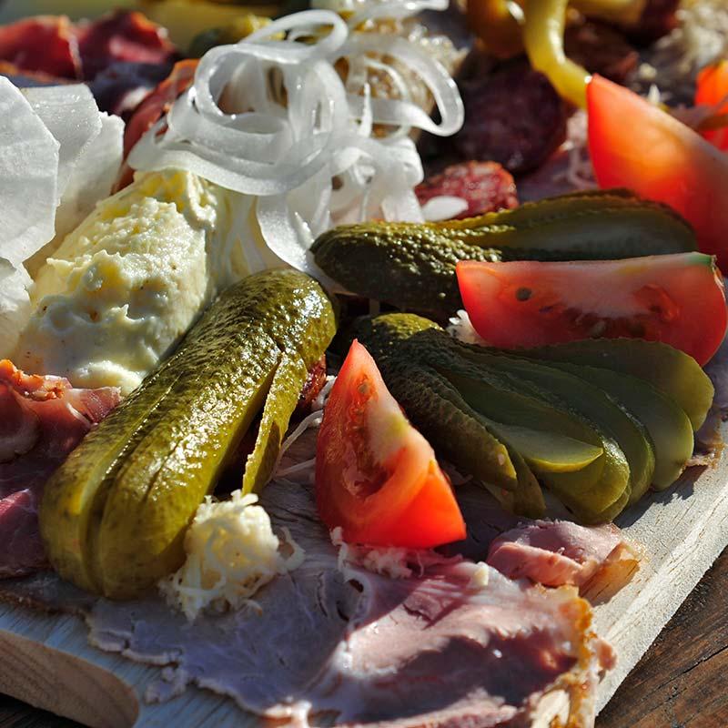 Speisekarte: kalte und warme Innviertler Schmankerl