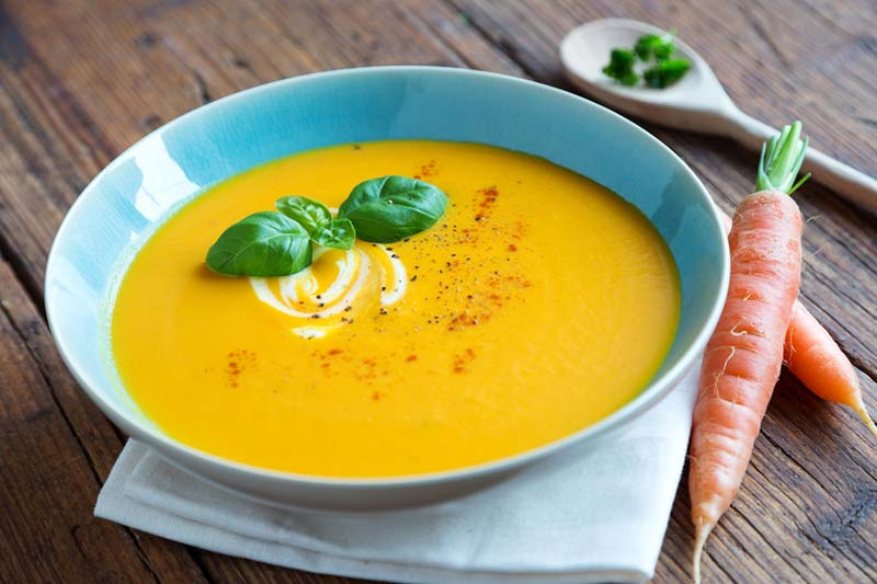 Apfel-Karotten-Ingwer-Suppe